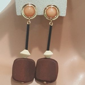 Urban Outfitters SOLEIL  WOOD STATE BROWN EARRINGS